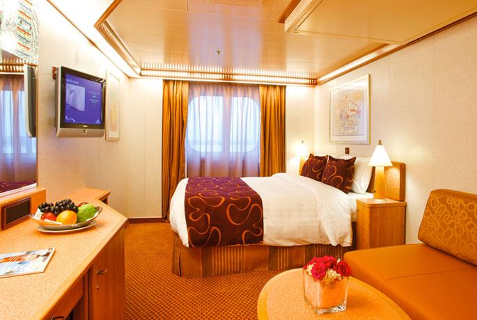 Scheda nave costa deliziosa con una lunghezza di 294m puo for Cabina interna su una nave da crociera