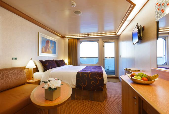 Scheda nave costa favolosa con una lunghezza di 290m puo for Cabina interna su una nave da crociera