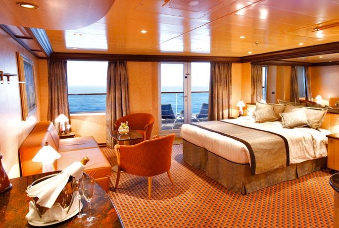 Scheda nave costa luminosa con una lunghezza di 294m puo for All interno di una cabina