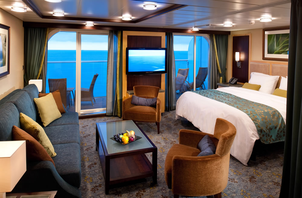 Spacious AquaTheater Suite