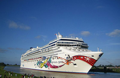 norwegian-cruise-line-norwegian-jewel-01.jpg